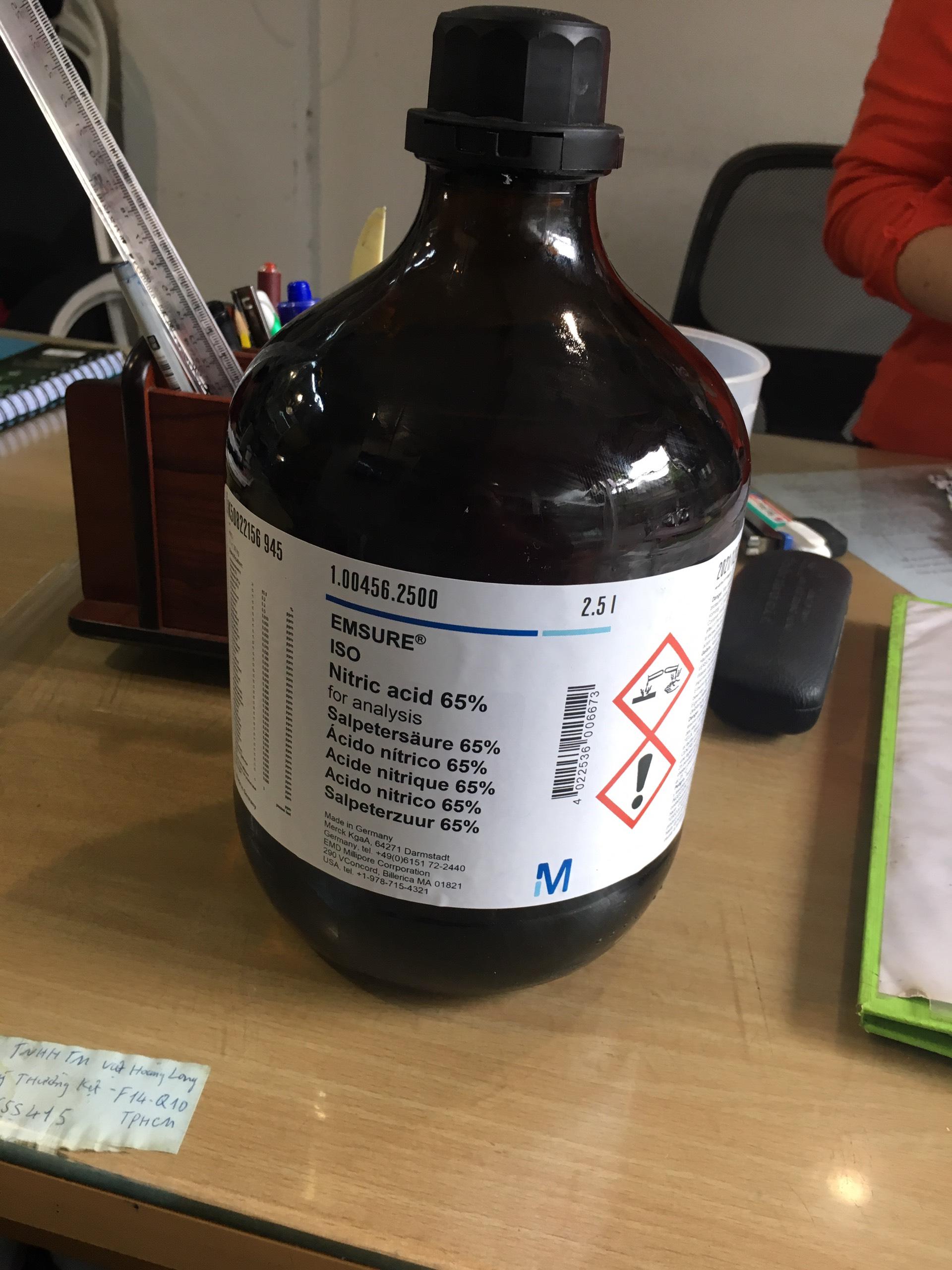 Hóa chất tinh khiết HNO3