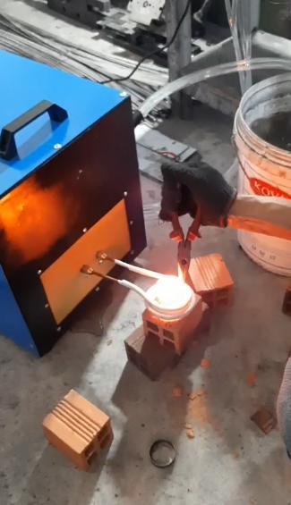 Lò trui kim loại cao tần 40kva