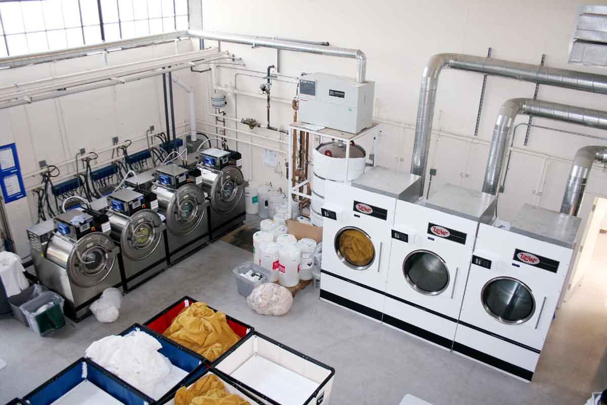 Giải pháp lắp đặt biến tần INVT điều khiển ổn định đa cấp tốc độ cho máy giặt công nghiệp