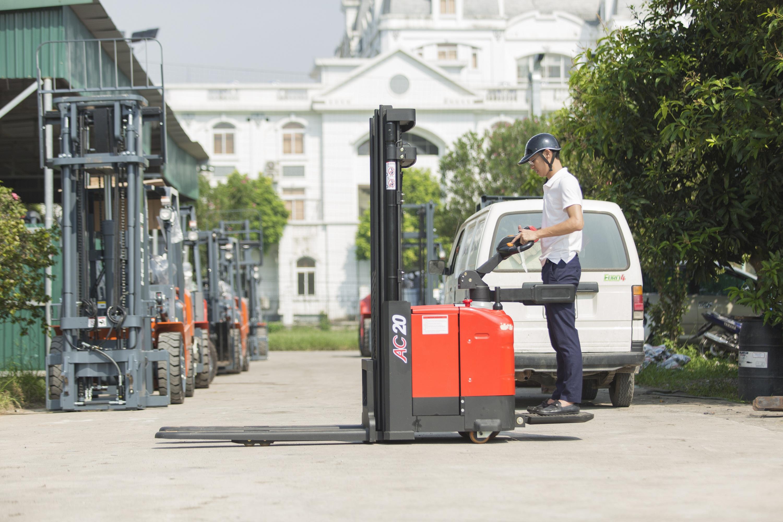 Xe nâng tay cao 1.4 tấn model CTD14- D930