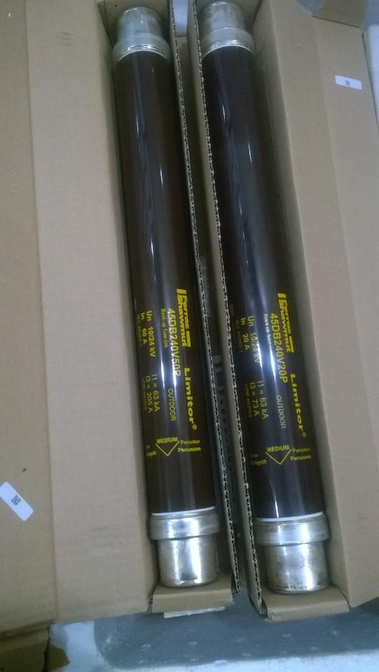 Cầu chì trung thế 45DB240V160P